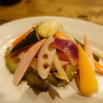 72285334 - 10種野菜のピクルス
