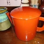 喉越しの蕎麦晴朗 - 冷茶と蕎麦つゆ