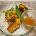レジーナ イタリアーナ - 白身魚のポワレ 梅肉入りアクアパッツァソース