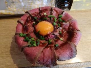肉焼き じゅんちゃん - 【ランチ】ローストビーフ丼 800円