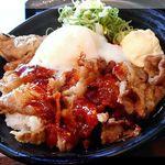 72289377 - ピリ辛温卵カルビ丼