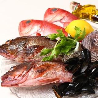 千葉勝山港より毎週届く魚貝