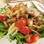 Creation Dining JINGA - 自家製ベーコンとほうれん草のサラダ