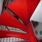 にかいや - 赤い階段を上ります。
