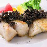 白身魚の鉄板焼きオリーブソース