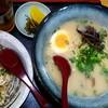 らーめんやな川 - 料理写真:ラーメン+半チャン 800円