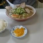 ラーメン麺雅 - 濃厚煮干しとライス少々(笑)