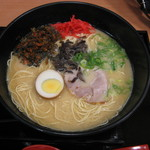 こかげ亭 - 料理写真:博多とんこつラーメン(580円)