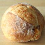 ファクトリー - 林檎酵母のパン(正式名称ではありません) 250円