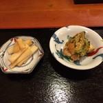 ひと椿 - 料理写真:お通しは2種