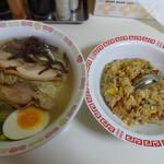 上海亭 - ラーメン炒飯セット \600