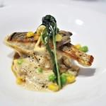 ジュー ドゥ マルシェ - 天然真鯛のポワレ 渡り蟹のビスクソース