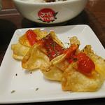太陽のトマト麺Next - チーズ揚げ餃子