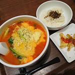 太陽のトマト麺Next - 太陽のチーズラーメン(880円)+Aセット(300円)