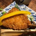 蔵人厨 ねのひ - アジフライは、赤味噌をつけて食べる