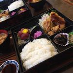 味噌かつ安兵衛 - 日替わりランチ ¥750