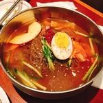 アリラン - 水冷麺。キムパプは撮り忘れ。。。