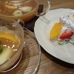 アフタヌーンティー・ティールーム - ハーフサイズのショートケーキとスイートフルーツティー