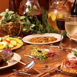 前菜や小皿料理も色々ご用意してます。