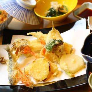 夜は最高の瞬間を頂く、本格天ぷらフルコースをを堪能◎