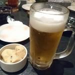 72334224 - 先付けと生ビール