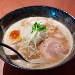 みつ星製麺所 - 「濃厚らーめん」(800円)。