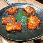 炭火焼肉 矢つぐ - 内臓肉の盛り合わせ(味噌)、ミノ、センマイ、ギアラ、ホルモン