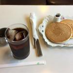 いずみ - ホットケーキ+アイスコーヒーのセット♪