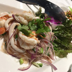エムエム タイ - プーケットの魚介サラダ
