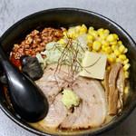 サッポロラーメン エゾ麺ロック - 辛肉みそラーメン+コーン&バター