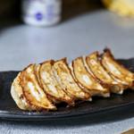 サッポロラーメン エゾ麺ロック - ギョウザ