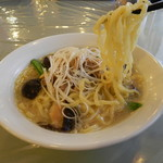 猪苗代湖畔のレストラン 中国料理 西湖 - 会津地鶏拉麺
