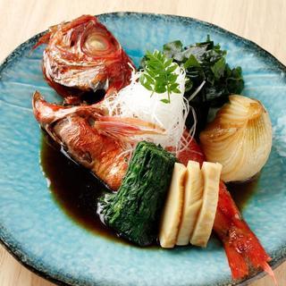 月曜日と木曜日は豊洲から仕入れる珍しい鮮魚も!