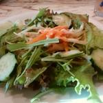 ダンダダ - セットの小サラダ
