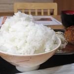 馬焼肉酒場 馬太郎 - ご飯大盛
