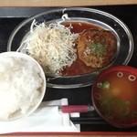 馬焼肉酒場 馬太郎 - 馬肉ハンバーグ定食 500円