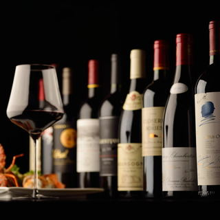 フランスをメインに、各種ワインも取り揃えております。