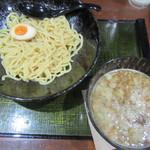 麺匠 竹虎 - 魚介豚骨つけ麺 820円
