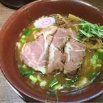 中華そば煮干しや - 煮干し豚骨(太麺)