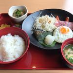 ジョイフル - 料理写真:幕の内朝食+納豆