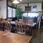 浅田 - 結構広い店内