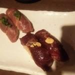 大宮肉寿司 - 馬のハラミと赤身