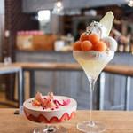 ドルミール - 桃といちごのパフェ&メロンと杏仁のパフェ☆