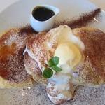 オリーブカフェ - アフォガードパンケーキ