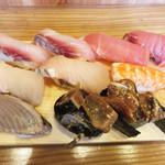 すし屋の魚×3 - 寿司10貫。