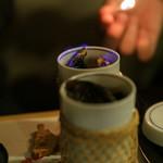 ふく処 信剣 - ドリンク写真:ひれ酒はお客様の前で、火をつける演出をしております。