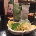 ボンゴレ亭 - ザーサイ…美味しいザーサイってホンマ美味しい✨ これいくらでもイケる飲み物は大葉しそのチューハイと、生すだちチューハイ