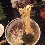 ボンゴレ亭 - 細麺か縮れ麺選べて細麺に