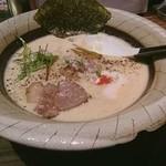 中華そば鷸 - 鶏豚出汁ラーメン大盛り920円(2017年6月撮影)