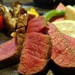 72380142 - 米産牛フィレ肉のロースト 近畿野菜と抹茶塩